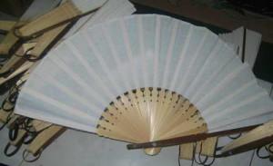 nunu-souvenir-kipas-jumbo-kain-blaco